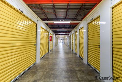 CubeSmart Self Storage - Saint Charles 2661 Veterans Memorial Parkway Saint Charles, MO - Photo 4