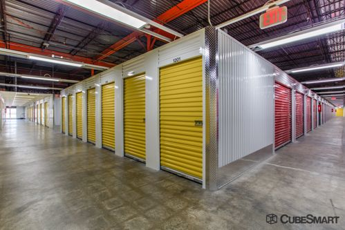 CubeSmart Self Storage - Saint Charles 2661 Veterans Memorial Parkway Saint Charles, MO - Photo 5