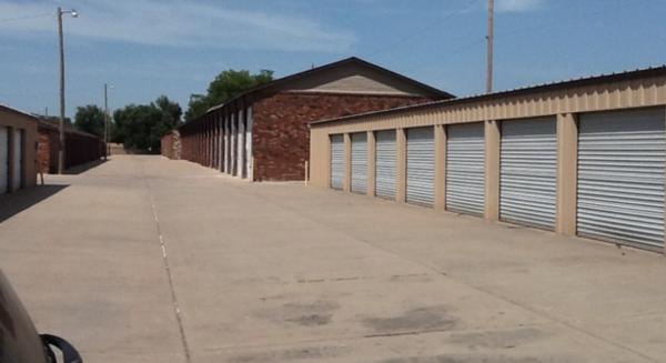 MaxSecure Storage - W Douglas Ave 3540 W Douglas Ave Wichita, KS - Photo 1