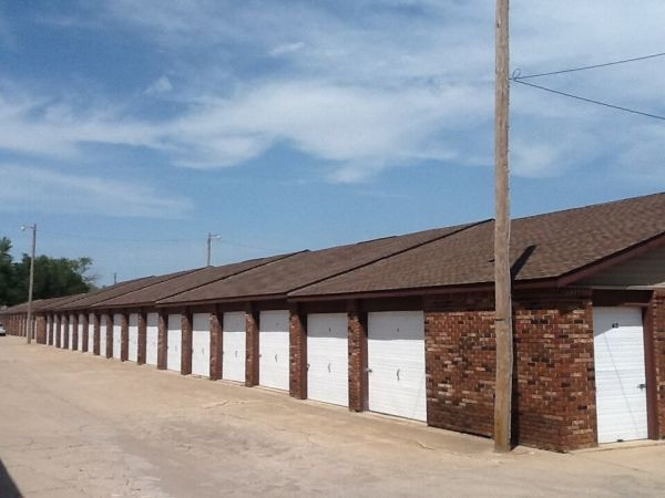 MaxSecure Storage - W Douglas Ave 3540 W Douglas Ave Wichita, KS - Photo 3