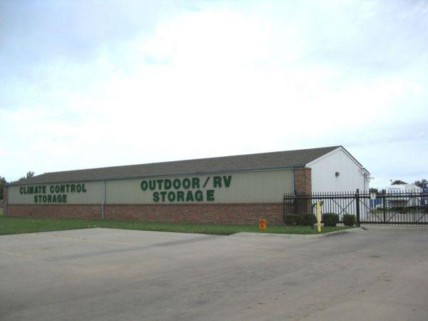 MaxSecure Storage - W Shade Ln 7000 West Shade Lane Wichita, KS - Photo 0