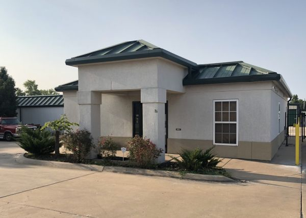 MaxSecure Storage - E 13th St 4929 East 13th Street North Wichita, KS - Photo 6