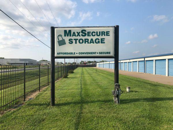 MaxSecure Storage - W 44th St 3950 West 44th Street South Wichita, KS - Photo 0