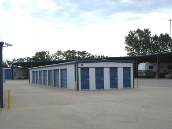 MaxSecure Storage - 3360 S Hydraulic St 3360 South Hydraulic Street Wichita, KS - Photo 5