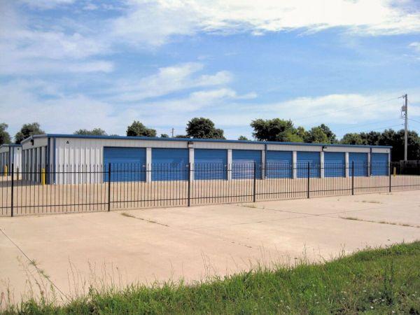 MaxSecure Storage - North Meridian 5424 North Meridian Avenue Wichita, KS - Photo 2