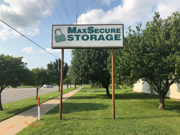 MaxSecure Storage - 5152 S Hydraulic St 5152 S Hydraulic St Wichita, KS - Photo 0
