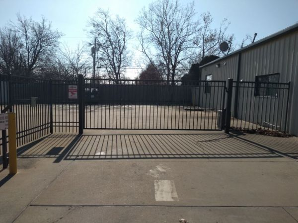 Easy Stop Storage - Sapulpa South 12 W Teel Rd Sapulpa, OK - Photo 6