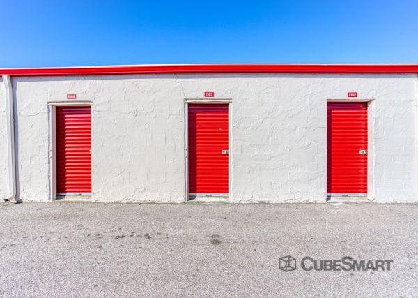 CubeSmart Self Storage - Houston - 5400 Alder Drive 5400 Alder Drive Houston, TX - Photo 2