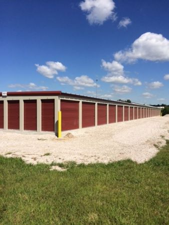 Lock and Save Storage 4185 Hanover Road Columbia, IL - Photo 2