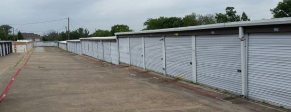 All American City Self Storage 1209 East Belt Line Road Desoto, TX - Photo 2