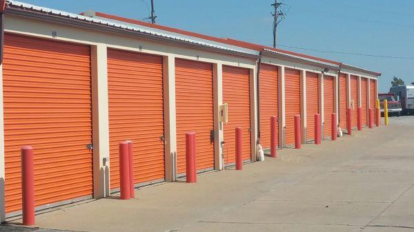 Airport Mini Storage - Cleveland - 4961 Old Grayton 4961 Old Grayton Cleveland, OH - Photo 6
