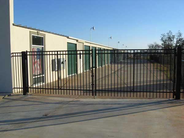 Houston Lake Storage 301 Club Villa Court Kathleen, GA - Photo 1