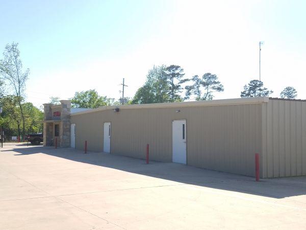 Lochness Valet Launch & Storage 13000 Calvary Rd Willis, TX - Photo 3