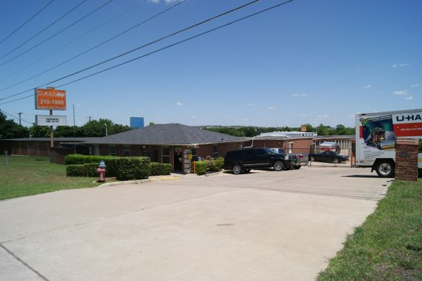Storagemax Self Storage 3019 Interstate 35 Frontage Road Round Rock, TX - Photo 1