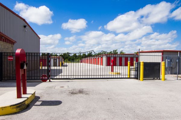 Storage King USA - Winter Haven - Dundee Rd 2100 Dundee Road Winter Haven, FL - Photo 6