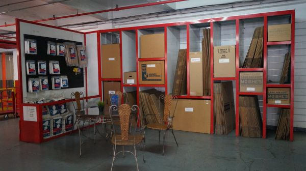 Moishe's Self Storage - Queens - 8-33 40th Avenue 8-33 40th Avenue Queens, NY - Photo 3