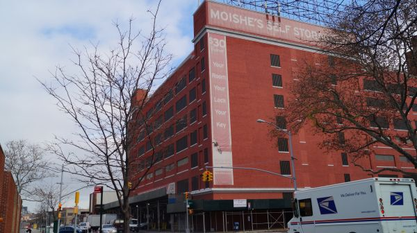 Moishe's Self Storage - Queens - 8-33 40th Avenue 8-33 40th Avenue Queens, NY - Photo 0