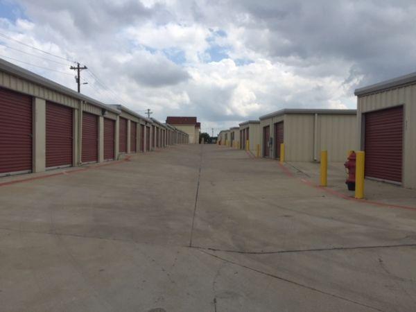 Storage Direct Cedar Park 945 West New Hope Drive Cedar Park, TX - Photo 4