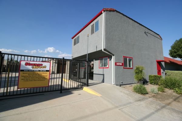 Storage Direct - Fontana 16990 Ceres Avenue Fontana, CA - Photo 0