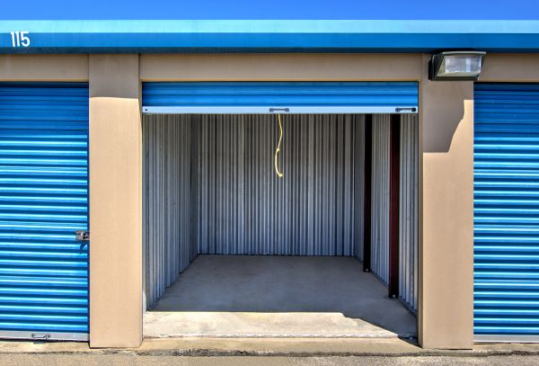 Safe Storage Frankfort Ct Lowest Rates Selfstorage Com