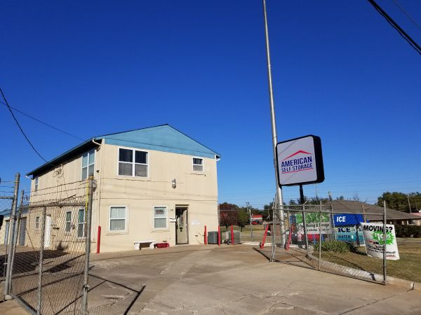 American Self-Storage - N. Meridian Ave. 929 North Meridian Avenue Oklahoma City, OK - Photo 3