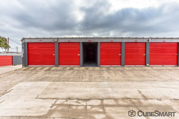 CubeSmart Self Storage - Austin - 10707 N Interstate 35 10707 N Interstate 35 Austin, TX - Photo 2