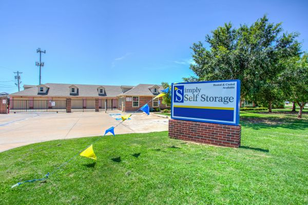 Simply Self Storage - 2900 NW Grand Boulevard - Nichols Hills 2900 Northwest Grand Boulevard Oklahoma City, OK - Photo 1