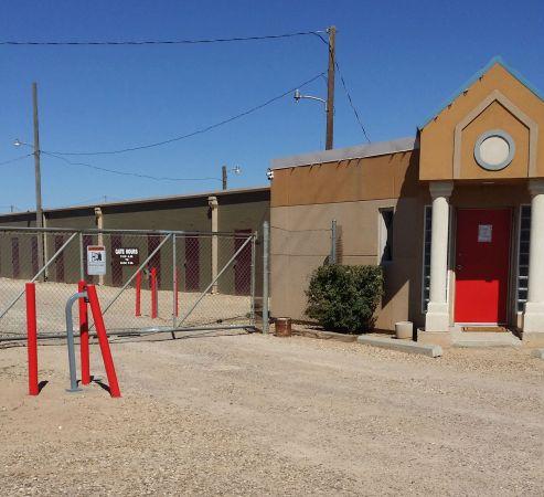 ... AABC Self Storage3822 North Loop 289   Lubbock, TX   Photo 3 ...