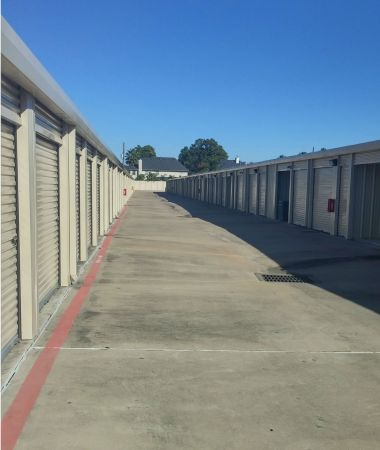 Mini U Storage - Tomball 11950 Spring-Cypress Rd Tomball, TX - Photo 2