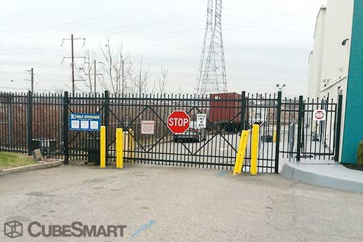 Nj Self Storage 2425 Tonnelle Avenue North Bergen, NJ - Photo 4