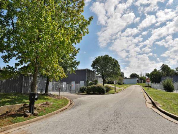 Storage Rentals of America - Frankfort 811 Oakmont Lane Frankfort, KY - Photo 5