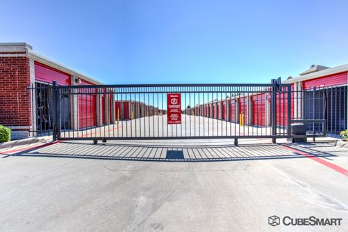 CubeSmart Self Storage - Lewisville - 900 West Round Grove Road 900 West Round Grove Road Lewisville, TX - Photo 3