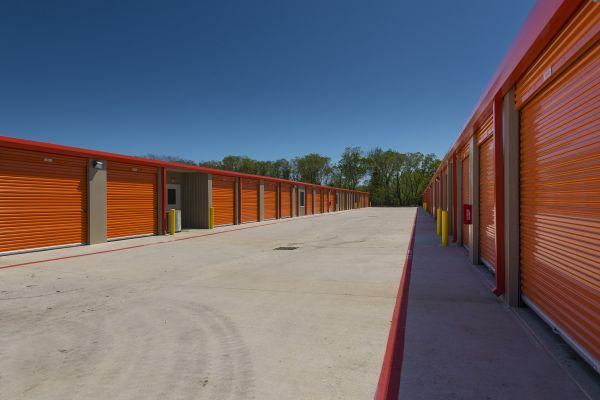 Baytown Storage 3908 Garth Road Baytown, TX - Photo 3
