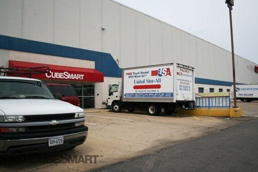 CubeSmart Self Storage - Falls Church 2950 Gallows Rd Falls Church, VA - Photo 2