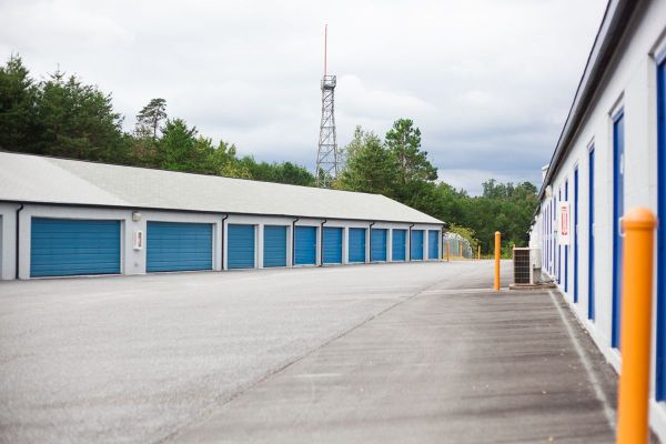 Outbox Self Storage Hickory1900 Clement Boulevard Northwest Hickory Nc Photo 9