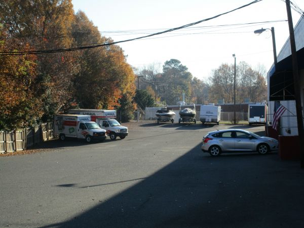 Outbox Self Storage - Cotswold 4815 Silabert Avenue Charlotte, NC - Photo 4