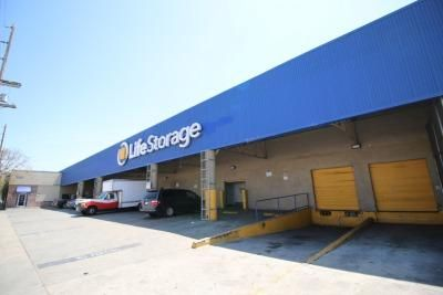 Life Storage - Los Angeles - East Slauson Avenue 700 East Slauson Avenue Los Angeles, CA - Photo 0