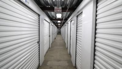 Life Storage - Los Angeles - East Slauson Avenue 700 East Slauson Avenue Los Angeles, CA - Photo 3