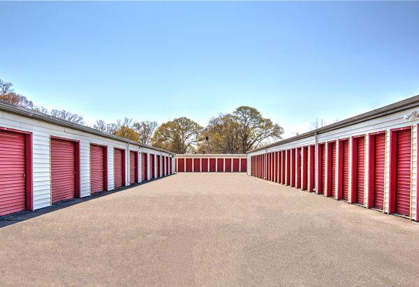 Prime Storage - Newport News 5868 Jefferson Avenue Newport News, VA - Photo 8
