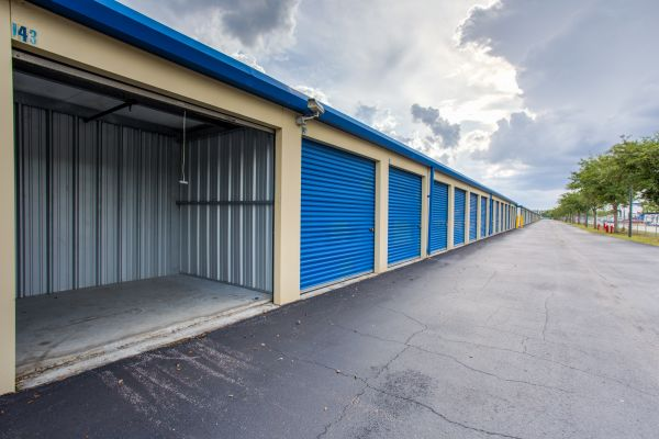 Simply Self Storage Orlando Fl Narcoossee Rd Lowest