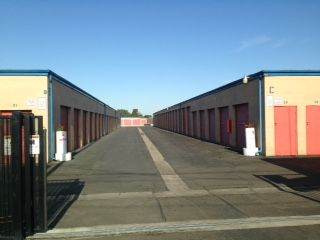 Visalia Mini Storage 625 South Lovers Lane Visalia, CA - Photo 1