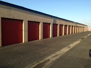 Visalia Mini Storage 625 South Lovers Lane Visalia, CA - Photo 2
