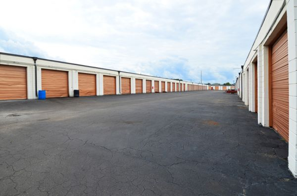 Storage Zone - Jacksonville 6299 Powers Avenue Jacksonville, FL - Photo 7