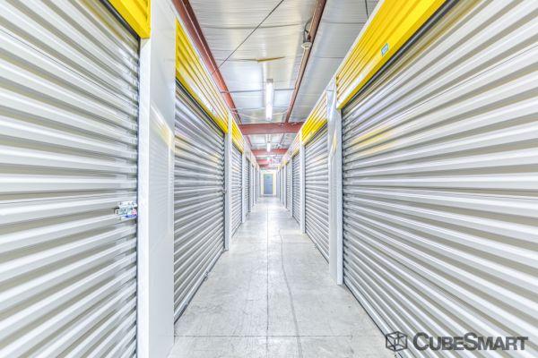 CubeSmart Self Storage - Saint Petersburg - 2501 22nd Ave N 2501 22nd Avenue North Saint Petersburg, FL - Photo 4