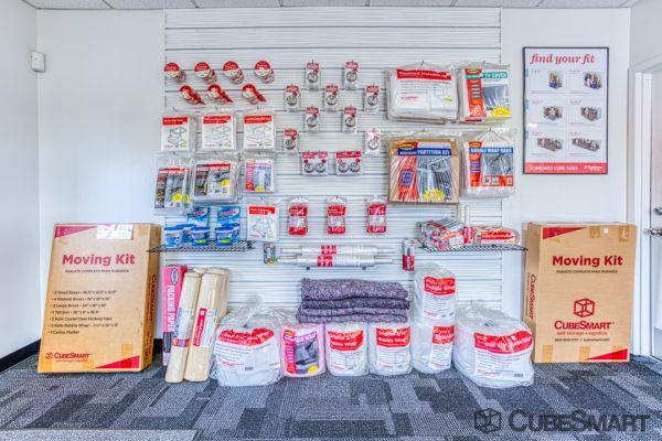 CubeSmart Self Storage - Saint Petersburg - 2501 22nd Ave N 2501 22nd Avenue North Saint Petersburg, FL - Photo 9