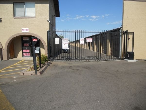 Belltower Mini Storage 17020 N 63rd Ave Glendale, AZ - Photo 12