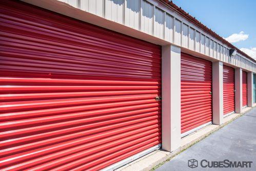 CubeSmart Self Storage - Waterbury - 770 West Main Street 770 West Main Street Waterbury, CT - Photo 3