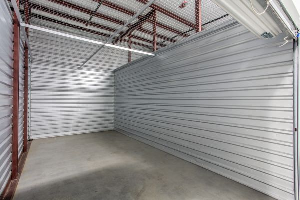 Simply Self Storage - 555 North Olden Avenue - Trenton 555 North Olden Avenue Trenton, NJ - Photo 3