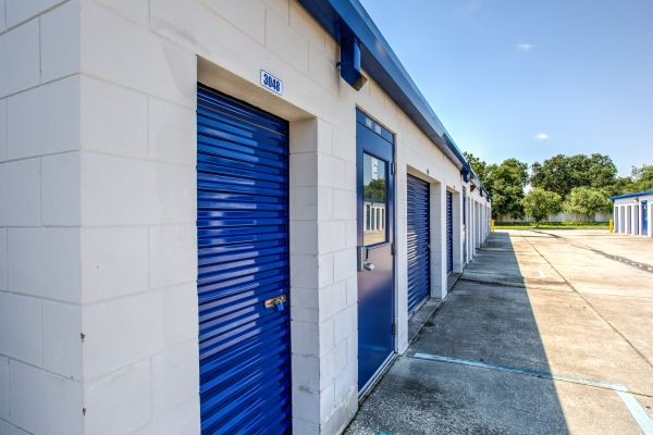 Simply Self Storage - Sanford, FL - FL-46 4051 West State Road 46 Sanford, FL - Photo 4