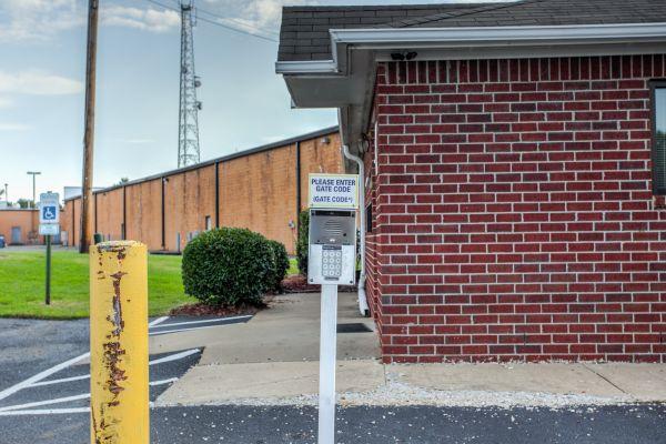 Simply Self Storage - 6714 Winchester Pointe Cove - Memphis 6714 Winchester Pointe Cove Memphis, TN - Photo 8